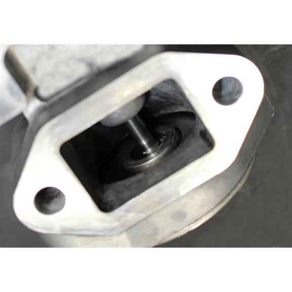 Środek do czyszczenia EGR microflex® 926 żel - EGR po czyszczeniu 1