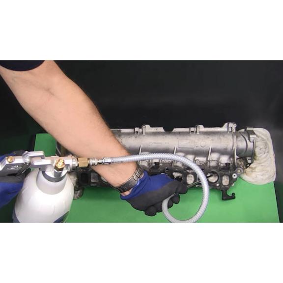 Preparat do czyszczenia EGR microflex® 925 - czyszczenie 1