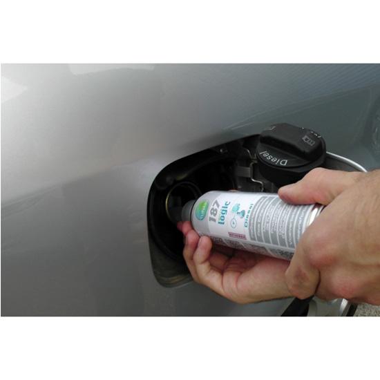 Środek zapobiegający zamarzaniu oleju napędowego poprawiający płynność Professional 187 - aplikacja