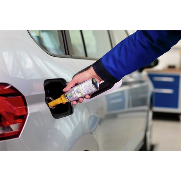 Preparat czyszczący komorę spalania microflex® 978 - aplikacja